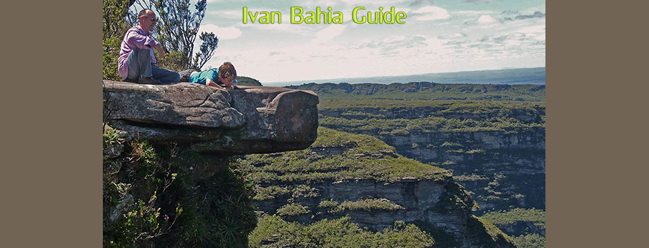 View from atop the 380m high Cascata da Fumaça waterfall while visiting Chapada Diamantiana national park - Ivan Bahia Tour Guide & Travel Agency in Salvador, Brazil / Reis-gids, reis agentschap in Salvador da Bahia / #IvanBahiaGuide,#SalvadorBahiaBrazil,#Bresil,#BresilEssentiel,#BrazilEssential,#ChapadaDiamantina,#Brazilie,#ToursByLocals,#GayTravelBrazil,#IBG,#FotosBahia,#BahiaTourism,#SalvadorBahiaTravel,#FotosChapadaDiamantina,#fernandobingretourguide,#BrazilTravel,#ChapadaDiamantinaGuide,#ChapadaDiamantinaTrekking,#Chapadaadventure,#BahiaMetisse,#BahiaGuide,#diamantinamountains,#DiamondMountains,#ValedoPati,#PatyValley,#ValeCapao,#Bahia,#Lençois,#MorroPaiInacio